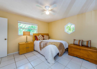 13045 Poinsettia Ave Seminole-large-044-033-Bedroom 31-1500x994-72dpi