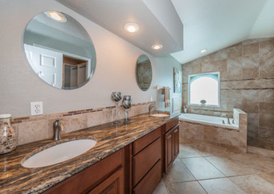 Master Bathroom1a